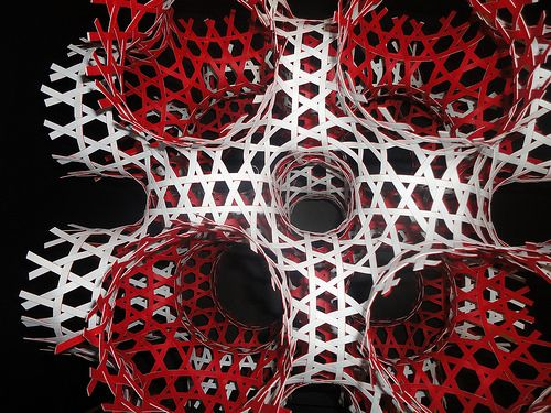 intertwined labyrinths  Schwarz P minimal surface