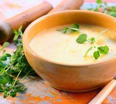Das Grundrezept für eine schnelle Kartoffelcremesuppe und ein paar tolle Variationen haben wir hier für Sie.