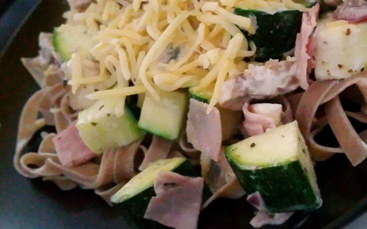 SUN pasta ham champignons courgette http://sun.organic/recept-pasta-ham-champignons #sun #ham #pasta #courgette #champignon