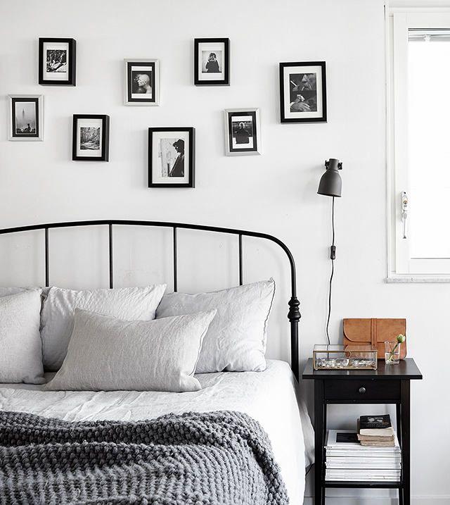 Спальня в цветах: черный, серый, белый, бежевый. Спальня в стиле скандинавский стиль.
