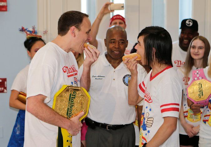 Joey Chestnut, Hot Dog Eating Champ, Is Dethroned in Coney Island - The New York Times
