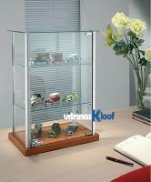 Vitrinas Kloof | Vitrina pequeña de cristal con estantes graduables 4/6
