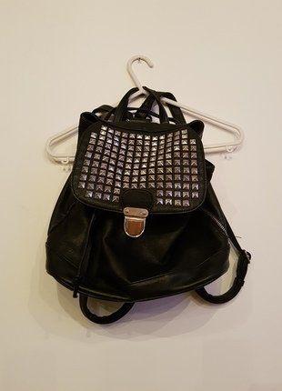 Kup mój przedmiot na #vintedpl http://www.vinted.pl/damskie-torby/plecaki/16252926-modny-plecaczek-zip-cwieki-pullbear