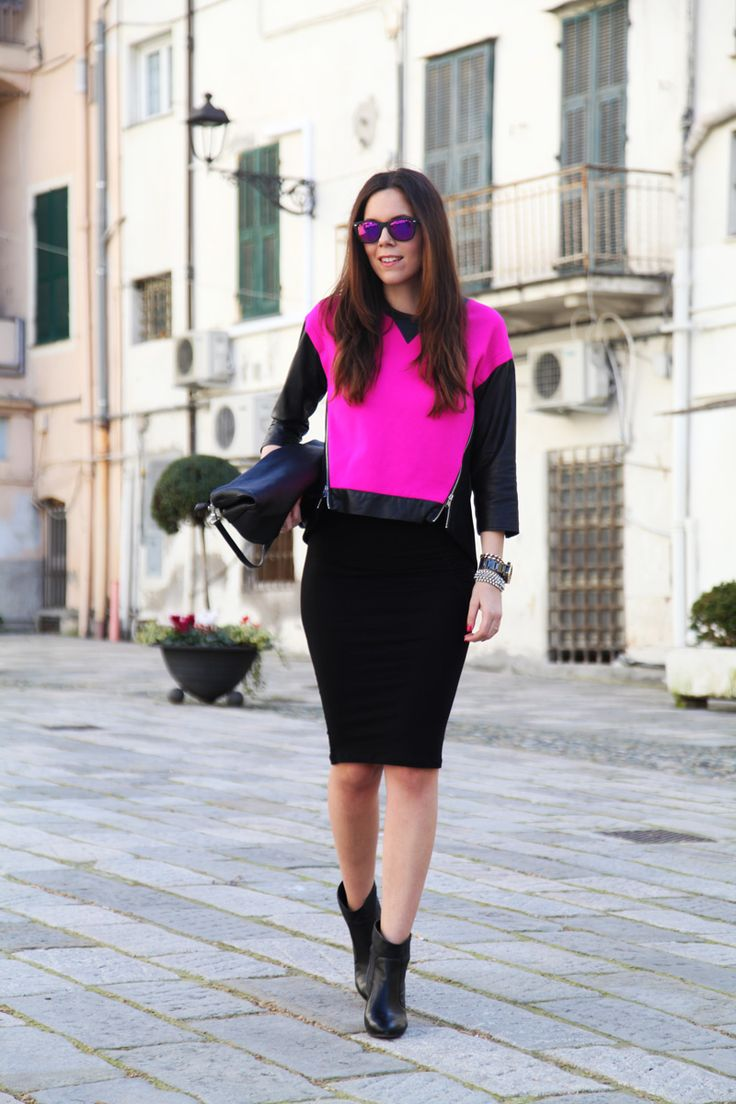Fashion outfit : sweater Milly | black stradivarius skirt | shoes from sarenza.it Black and purple  www.ireneccloset.com