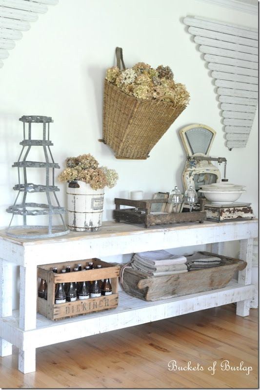 The Cottage Market: Cottage of the Week: Buckets of Burlap
