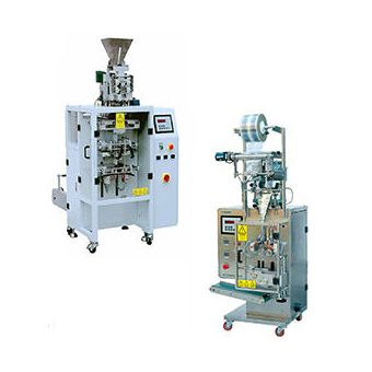 Vertical packaging machines to pack melted products. Unlike of Horizontal machines, in which the product runs horizontally; as for the vertical packaging machines the product goes down directly in the film with an up to down movement. #verticalmachines #packaging #packagingmachines #macchineverticali #confezionamento #macchineconfezionatrici #amgssas