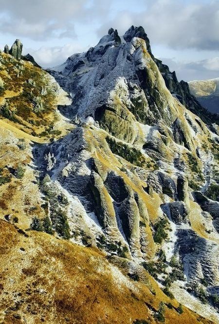 Tigai Peak, Ciucas Mountains, Romania, www.romaniasfriends.com