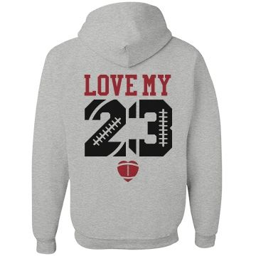 Make a trendy and inexpensive football girlfriend hoodie to show everyone who your favorite football player is! #footballgirlfriend