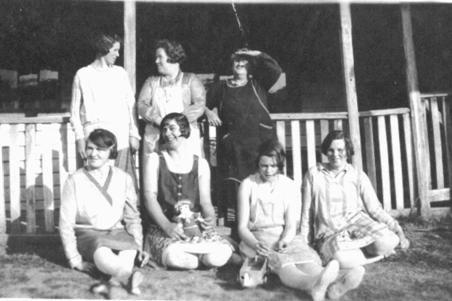 image4211  A group taken outside Granny Wiggins Shop c 1930