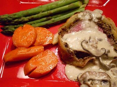 Tom's Beef Wellington and Terri's Mushroom Sauce: Wine, Beef Wellington, Mushroom Sauce, Yummy Food, Foodie Favorites, Terri S Table, Add, Mushroom Cream Sauces, Mushrooms
