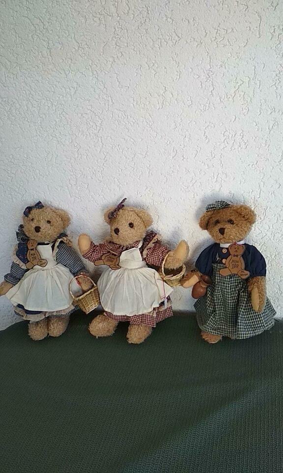 3 Teddybaren Handarbeit Nagelneu In Bayern Oberhaid Kuscheltiere Gunstig Kaufen Gebraucht Oder Neu Ebay Kleinanzeigen In 2020 Kuscheltier Tiere Wolle Kaufen
