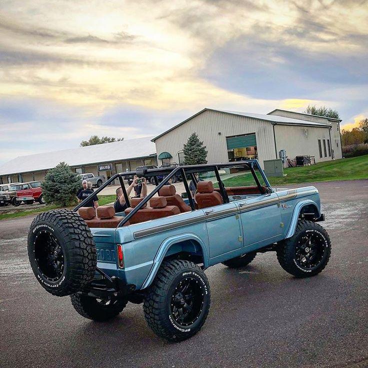 Maxlider Brothers Customs On Instagram 4 Door Broncos By Maxlidermotors 4doorbronco Maxliderb In 2020 Classic Ford Broncos Cool Old Cars Ford Bronco