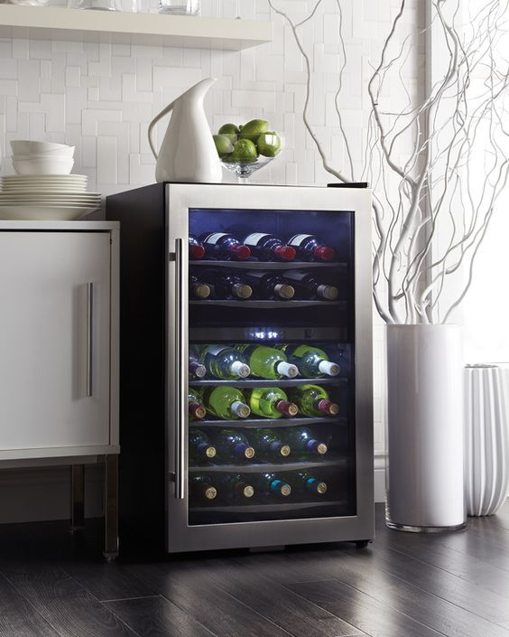 38-bottle free-standing wine cooler or wine fridge. Fits great with any home decor. Looking for a wine refrigerator? Look no further than Danby's DWC040A3BSSDD: