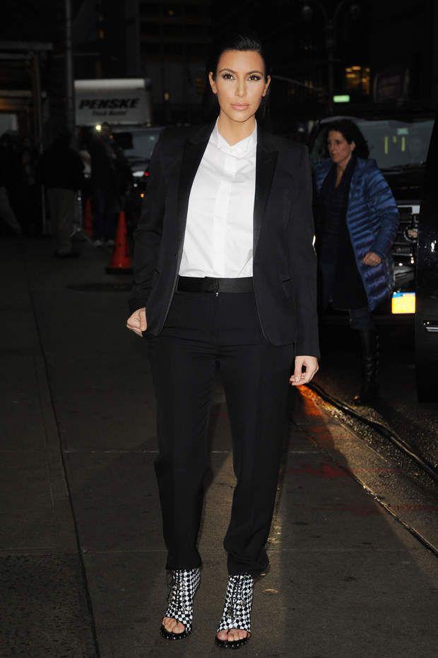 Kim Kardashian, enceinte, sort du late show de David Letterman en janvier 2013.