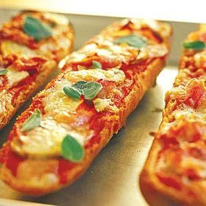 Pizza Baguettes recept | Smulweb.nl