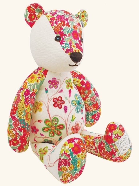 embroidered bear ~Delilah | Taunina. I love these bears. Hand made and hand embroidered.