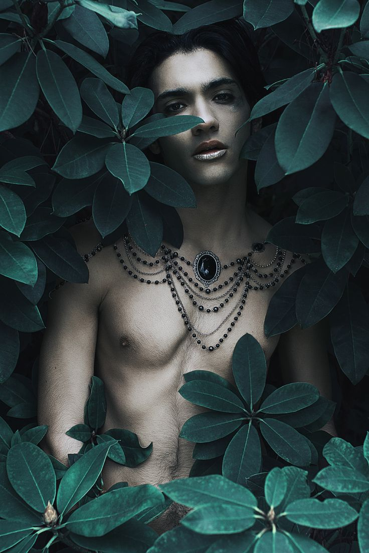 Photographer: Anaïs NovembreJewelry: MarKiZ CréationMakeup: AngbrynModel: Idir Raffin