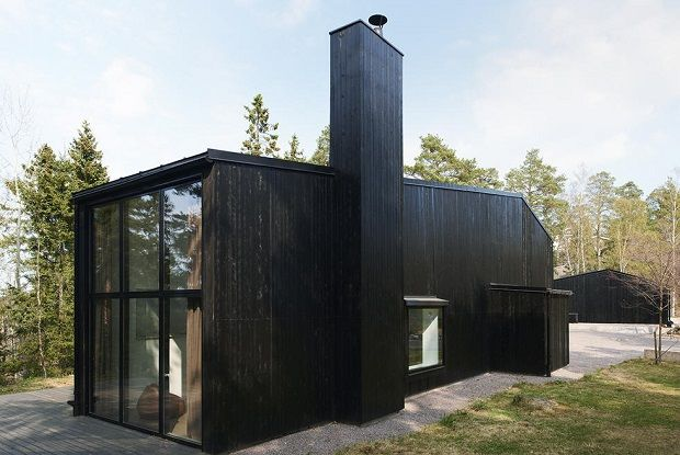At the edge of the city of Stockholm lies this Solbriken Ordinary House, architecture studio In Praise of Shadow.