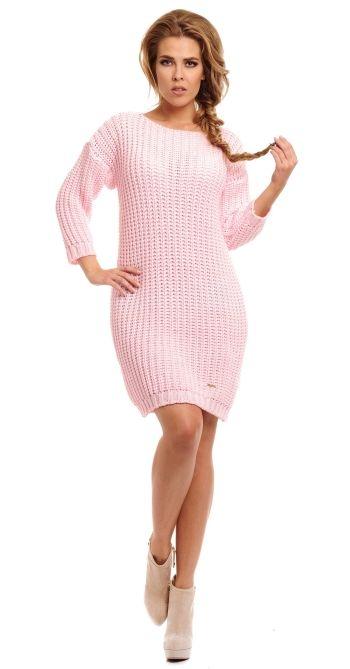 Rochie moderna, tricotata, de culoare roz - Rochie moderna, tricotata, de culoare roz. Are maneci lungi si decolteu la baza gatului, tip barcuta. Este forte lejer si potrivit zilelor racoroase. Colectia Rochii de toamna iarna de la  www.rochii-ieftine.net
