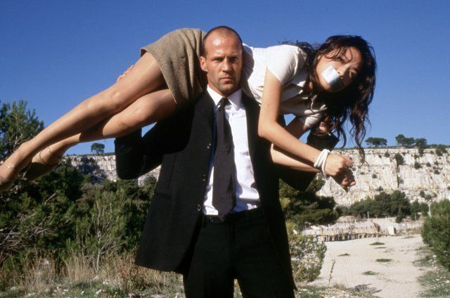 JASON STATHUM'S CHARACTER SAVING THE GIRL AS USUAL IN THE TRANSPORTER... AND YES, IF YOU ARE WONDERING I DO OWN ALL OF HIS MOVIES!!