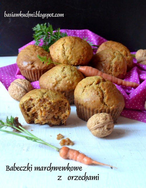 Basia w kuchni: Babeczki marchewkowe z orzechamy - śniadanie do szkoły