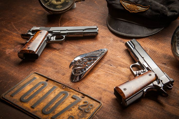 Pistol set pricing ranges from a base of $13,000 to $17,000. Our museum quality pistol sets with all options such as mirror hand polished finishes and hand made french fitted cases range to $25,000.
