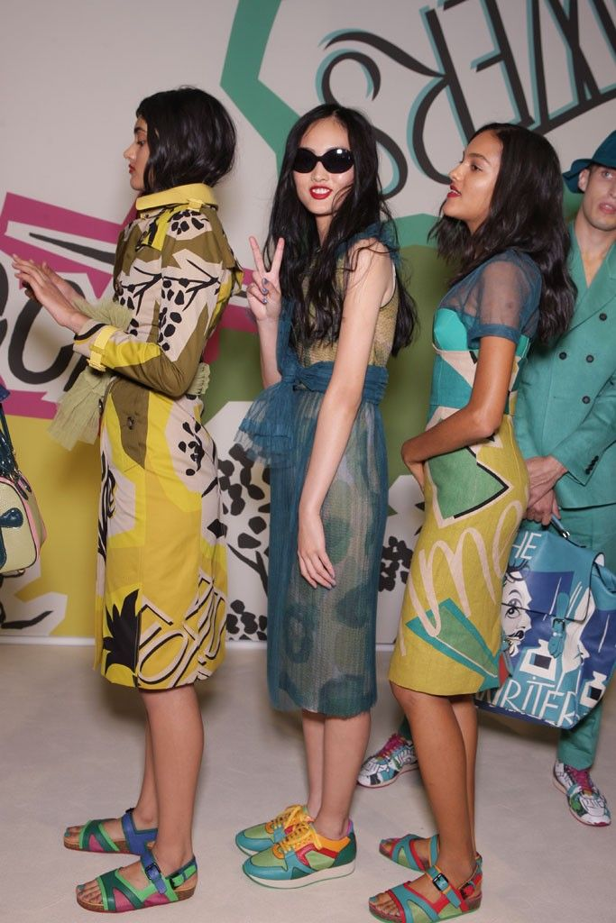 Backstage at Burberry Prorsum RTW Spring 2015 [Photo by Giovanni Giannoni] Repinned by www.lecastingparisien.com