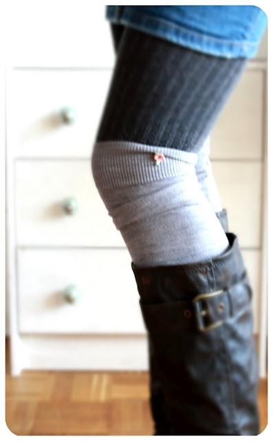 Stulpen aus alten Pulloverärmel: Ärmel abschneiden, unten umnähen, oben verzieren