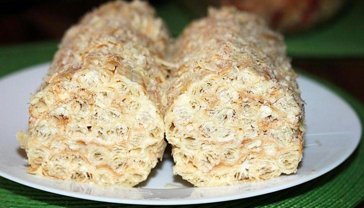 """Быстрый домашний торт """"Полено"""" из слоеного теста со сгущенкой, простой рецепт на скорую руку - Простые рецепты Овкусе.ру"""