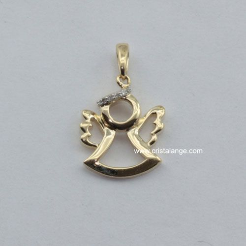 Ce joli pendentif en or 585 représente un ange gardien avec une auréole rehaussée par des diamants. Une belle idée cadeau. Découvrez tous les pendentifs anges gardiens sur www.cristalange.co