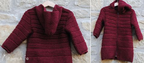 """Knit hooded coat for toddlers handmade by Atelier Faggi -  Righe ottenute cambiando il punto maglia per un cappottino lungo con cappuccio... by """"à propos de..."""" Atelier Faggi."""