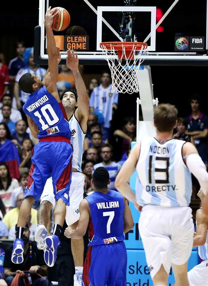 gabe norwood dunk over luis scola