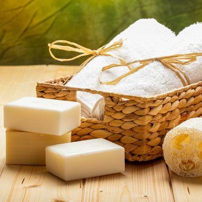 DIY-Kosmetik-Rezept für selbst gemachte Basische Seife - sie löst schädliche Säure im Körper und transportiert sie ab ...