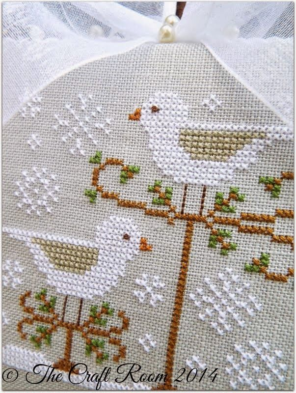 The Craft Room: Snow Explosion -- 2013 Just Cross Stitch Ornaments issus