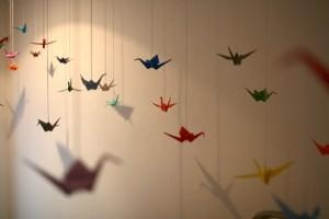 VIDEO-Decora con grullas de papel