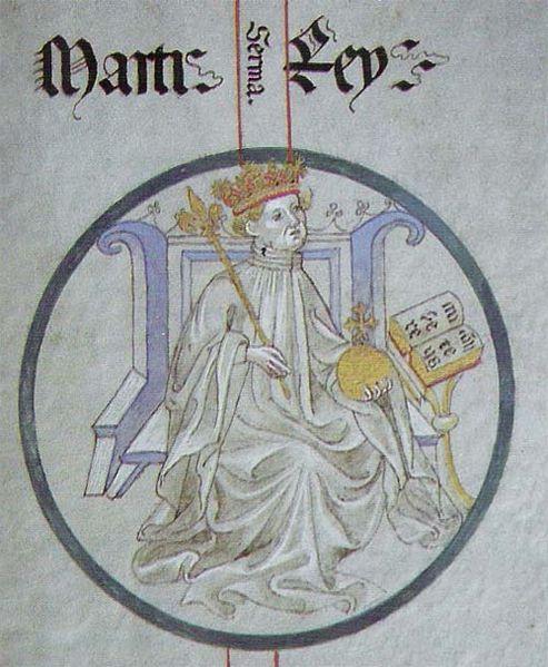 Martí l'Humà Martí I d'Aragó era el segon fill del matrimoni de Pere el Cerimoniós amb Elionor de Sicília. Nascut el 1356, el seu pare va nomenar-lo comte de Besalú i comte de Xèrica. A la mort del Cerimoniós va ser nomenat duc de Montblanc i lloctinent de Joan I. Abans, s'havia casat amb Maria de Luna, relació de la qual havia nascut l'infant Martí el Jove (1376). Com a conseqüència de la mort de Joan I sense descendència masculina, Martí va heretar el tron el 1396. Tenia quaranta anys.