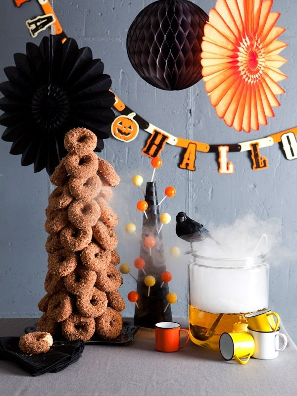 land of nod blog : donut tree: Holiday, Halloween Stuff, Party'S, Parties, Halloween Party Ideas, Donut Tree, Classroom Halloween Party, Donuts, Donut Tower