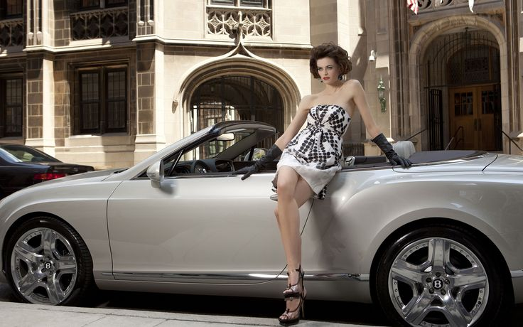 Chicago Exotic Car Dealer | Exotic Cars for Sale | Bentley, Lamborghini, Rolls Royce & Bugatti for Sale
