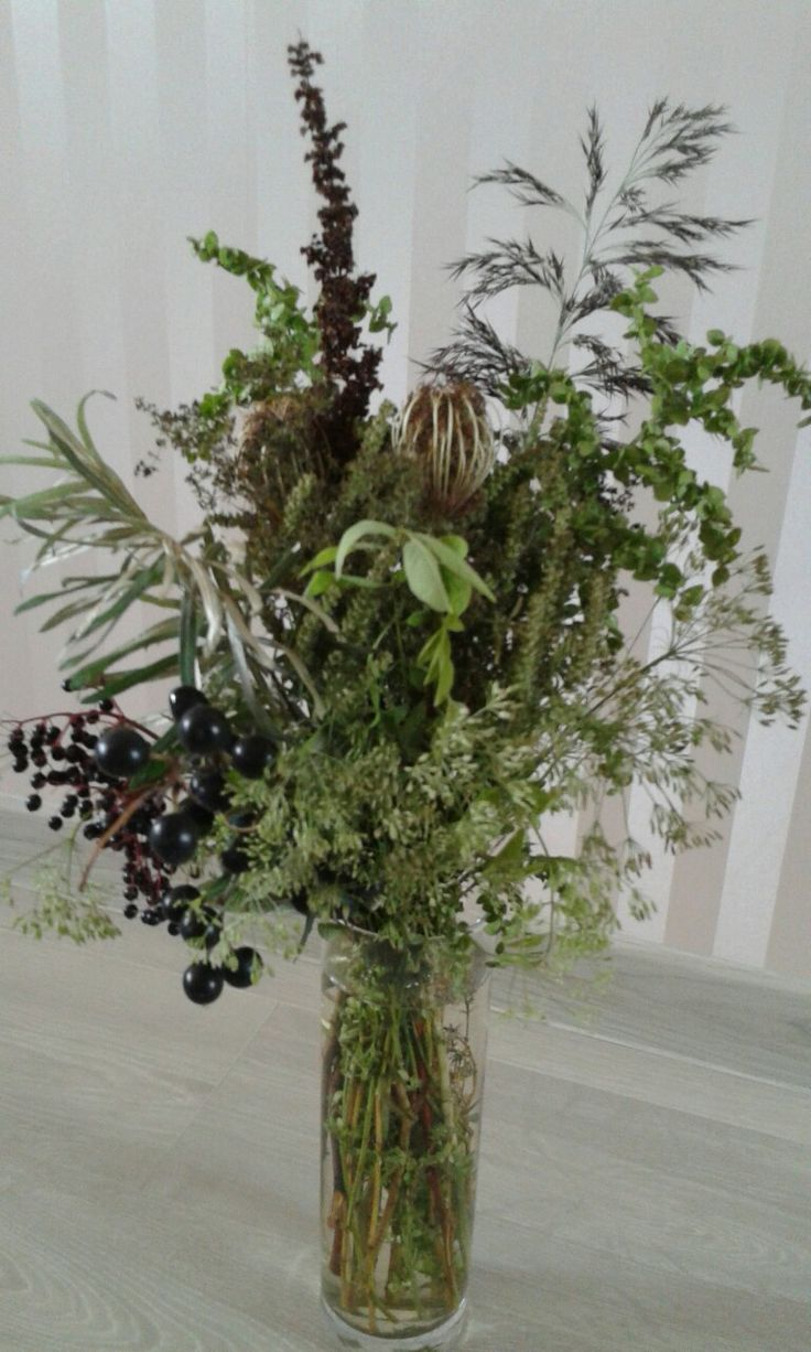 Букет из полевых растений