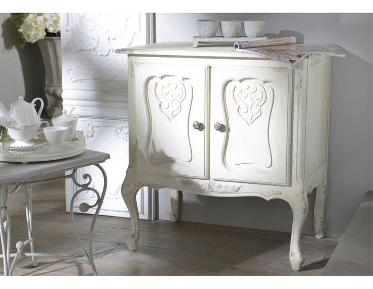 APARADOR MINI CLÁSICO  Aparador mini estilo clásico francés en color blanco roto. Está fabricado en madera de abeto, compuesto de 2 puertas con detalles, 2 pomos de metal, una balda en el interior y molduras en la parte baja. #comoda #aparador #comodas #diseño #gauguinfurniture #mueblediseño #vintage #clasico #estiloclasico