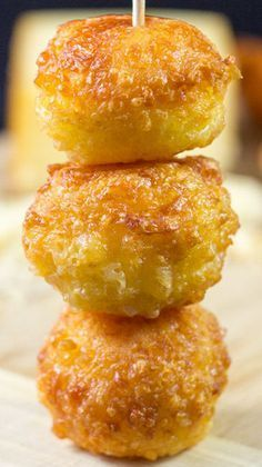 5-Ingredient Mini Cheese Balls Recipe ~ The perfect appetizer or snack for parties. You can't go wrong with some ooey, gooey cheesy balls!