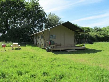This looks divine! Luxury camping in rural Suffolk - beautiful scenery, all the mod cons and an eco-friendly set up too. Looks such great value! Must book this soon!