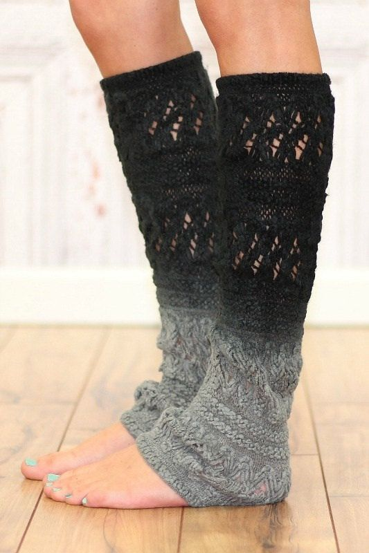 Ombre leg warmers... I need to learn how to make these. Shouldn't be too hard.