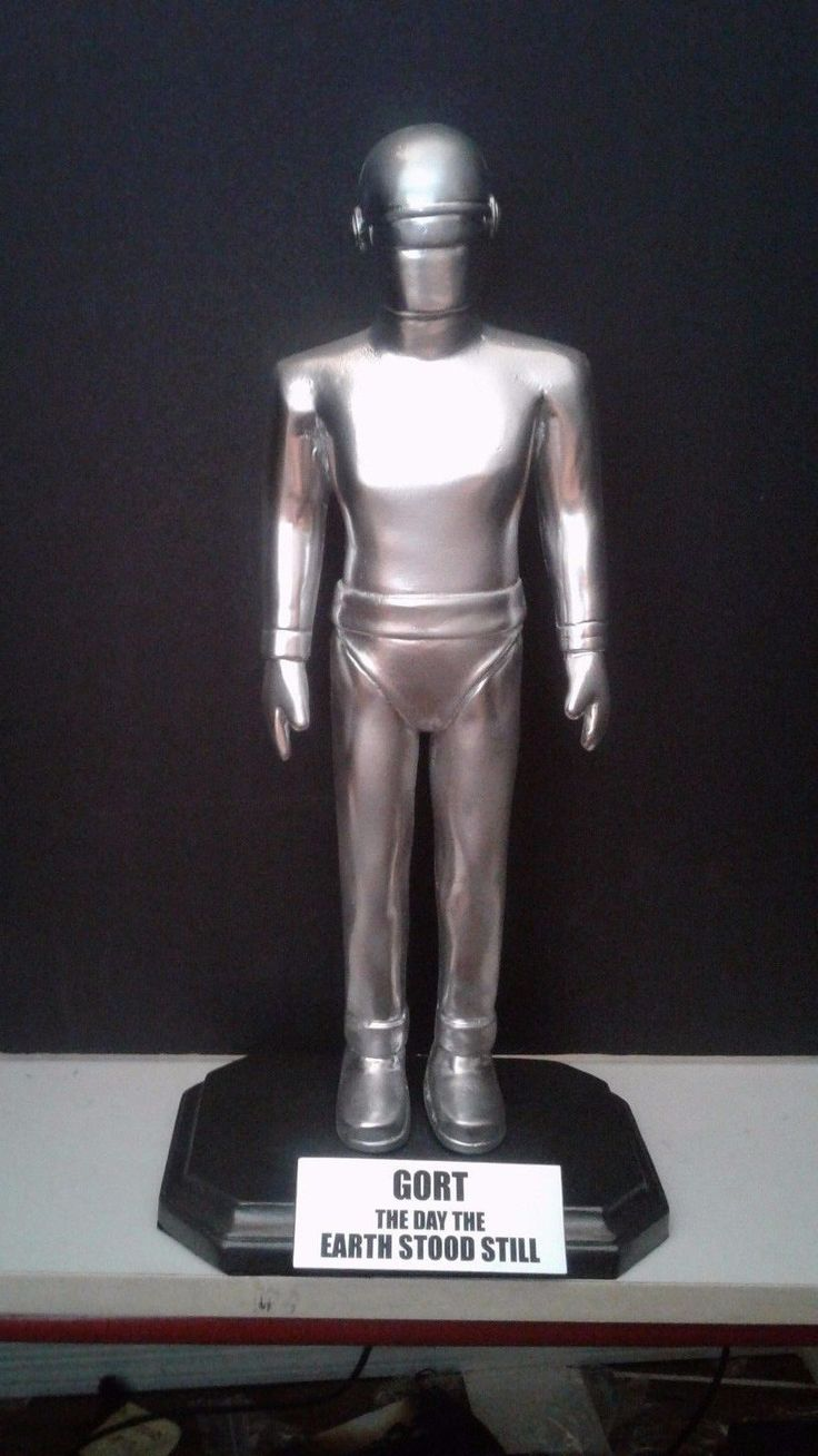 """The Day the Earth Stood Still movie GORT ROBOT 16"""" figure painted base nameplate 