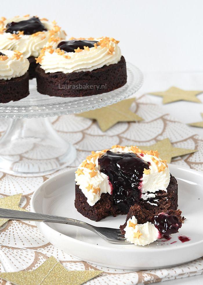 Brownie-kersen gebakjes