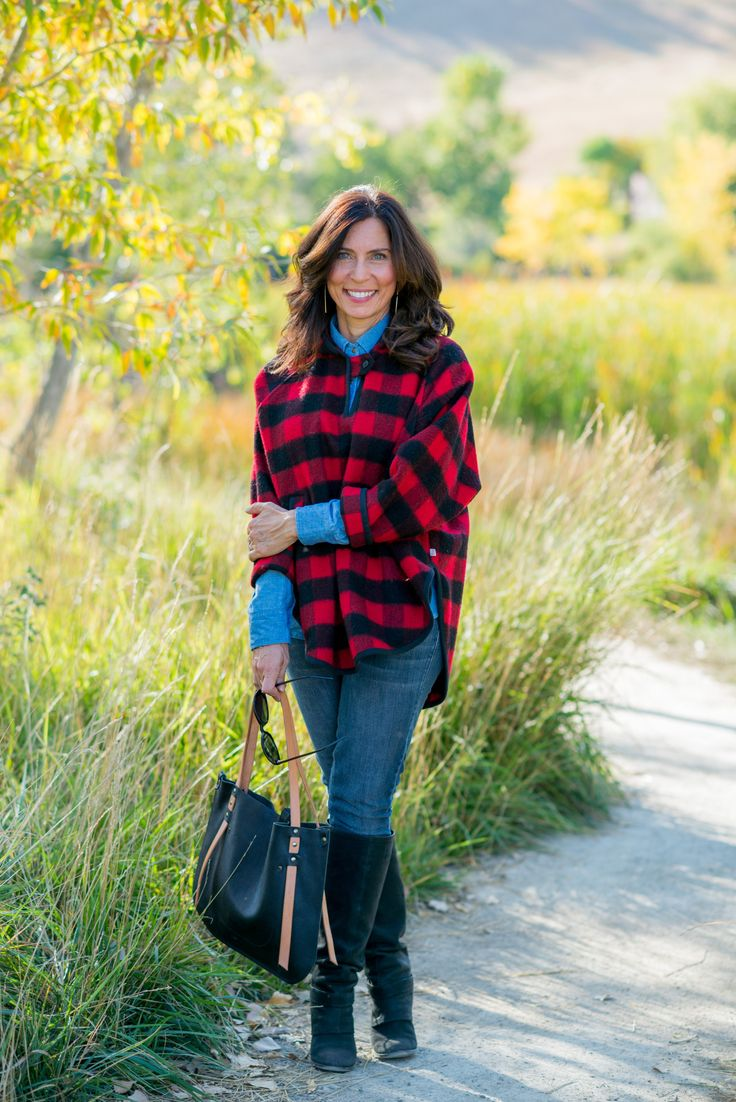 FALL WOOL CAPE On Monday, I posted a super sustainable outfit, all #madeinUSA and mostly #secondhand or #diy'd. I also mentioned how wool is one of the more sustainable textiles - in case you missed...