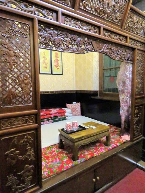 Bed platform at Baichanghong Inn in Pingyao China
