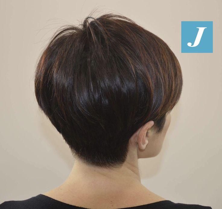 E' possibile avere delle sfumature Degradé Joelle color nocciola con i capelli corti? #cdj #degradejoelle #tagliopuntearia #degradé #igers #musthave #hair #hairstyle #haircolour #longhair #ootd #hairfashion #madeinitaly #wellastudionyc