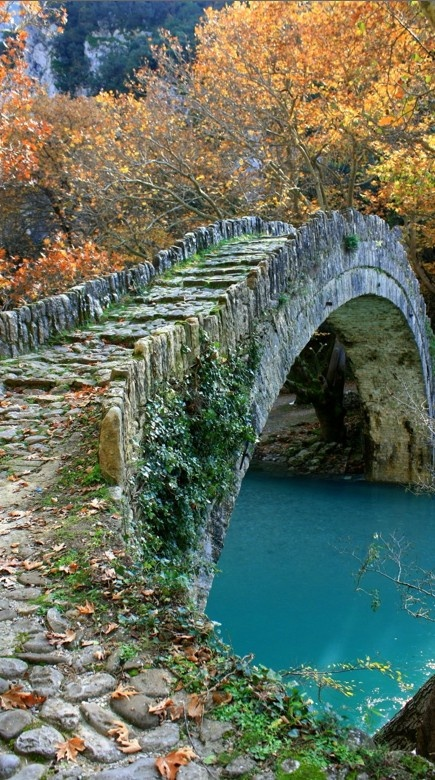 Bridge of Klidoniabistas in the #Vikos Gorge of #Zagori