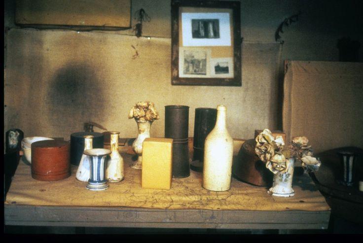 "giorgio morandi's studio  La sua ""camera secreta""."